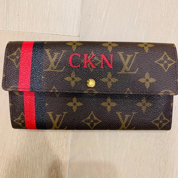 Louis Vuitton Handbags - Authentic Louis Vuitton Mon Monogram Sarah wallet